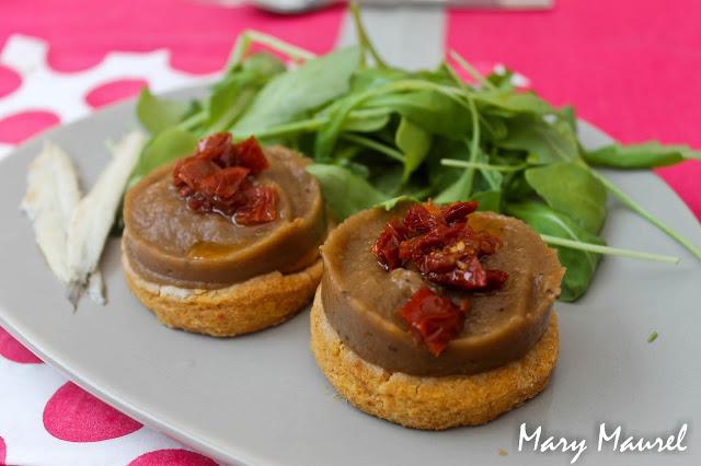 Tarte sablée au parmesan caviar d'aubergines basilic et anchois