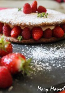 Dacquoise Coco, thym citron et fraises