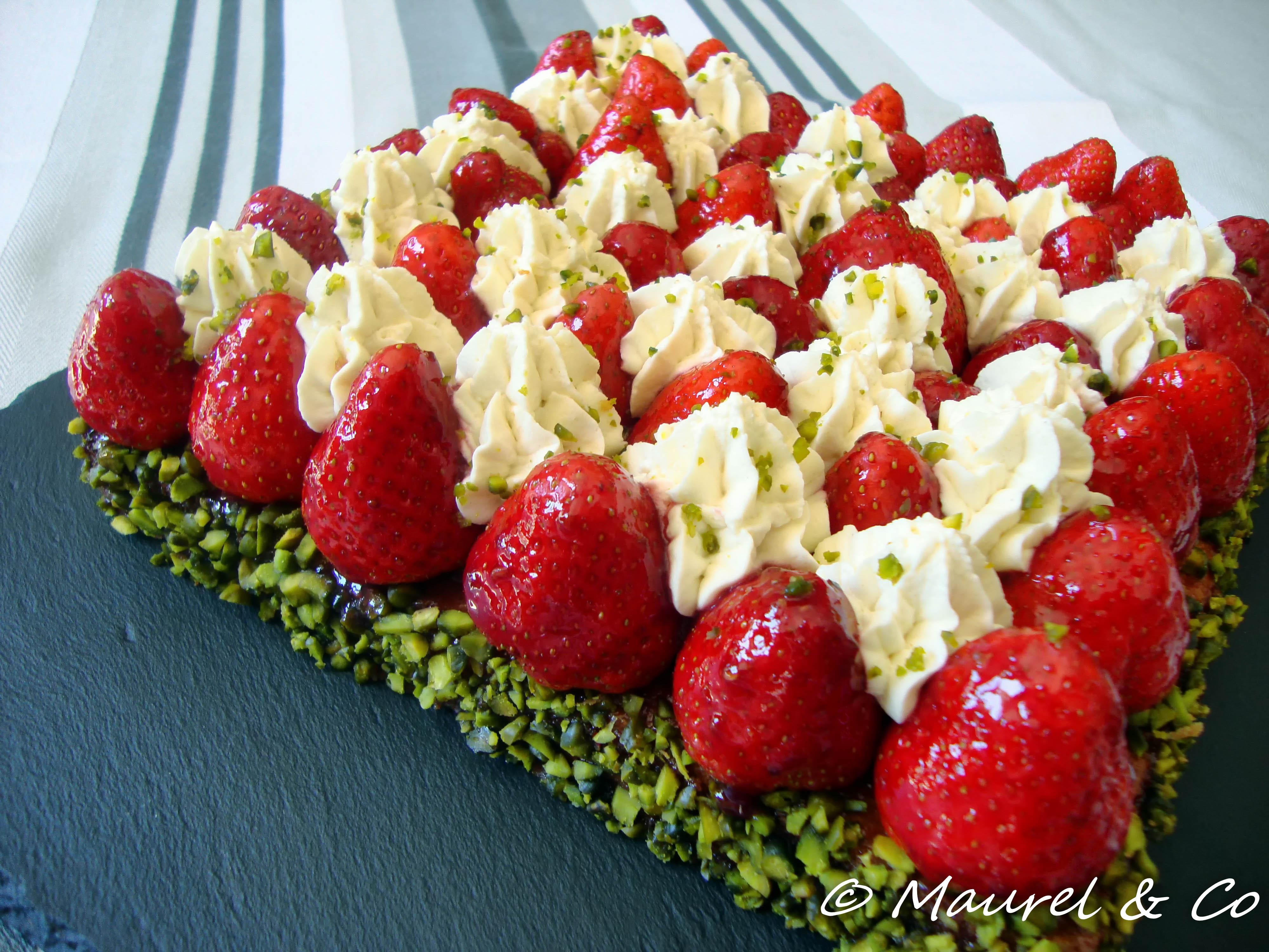 Tarte la fraise cr me pistache de christophe michalak gourmand croquant by mary co - Decoration tarte aux fraises ...