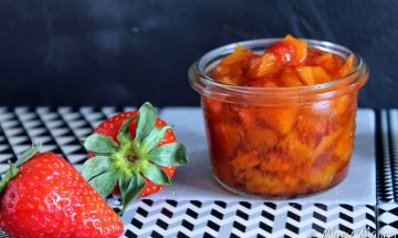 Confiture de mangues fraises gariguette