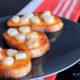 Crostini de Saint Jacques au beurre de corail